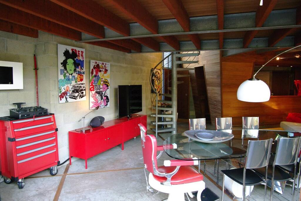 Maison d 39 architecte 130m2 et jardin houses for rent in for Jardin 130m2