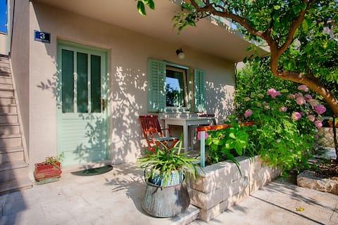 Garden studio in Kut (no.3)