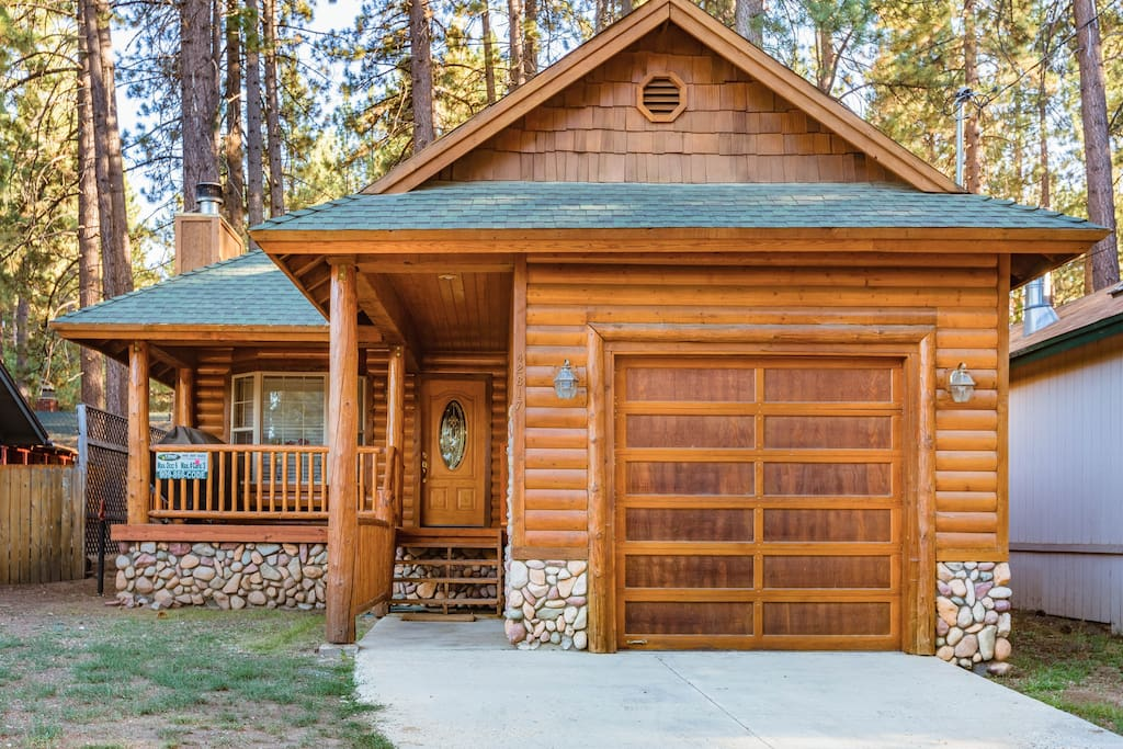 4b indoor hot tub 1mile bear mtn cabins for rent in