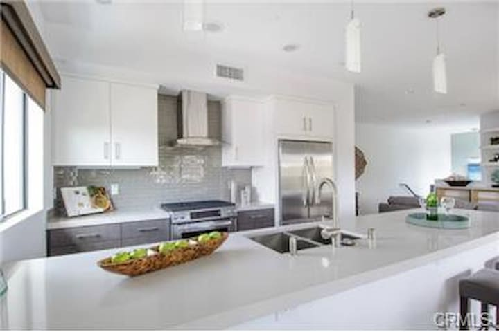 BEST LOCATION IN SOUTH BAY LA !!! - El Segundo - House