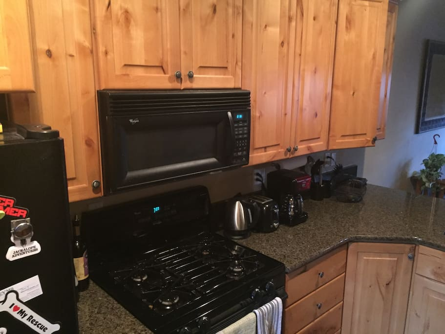 fully furnished kitchen with all amenitites