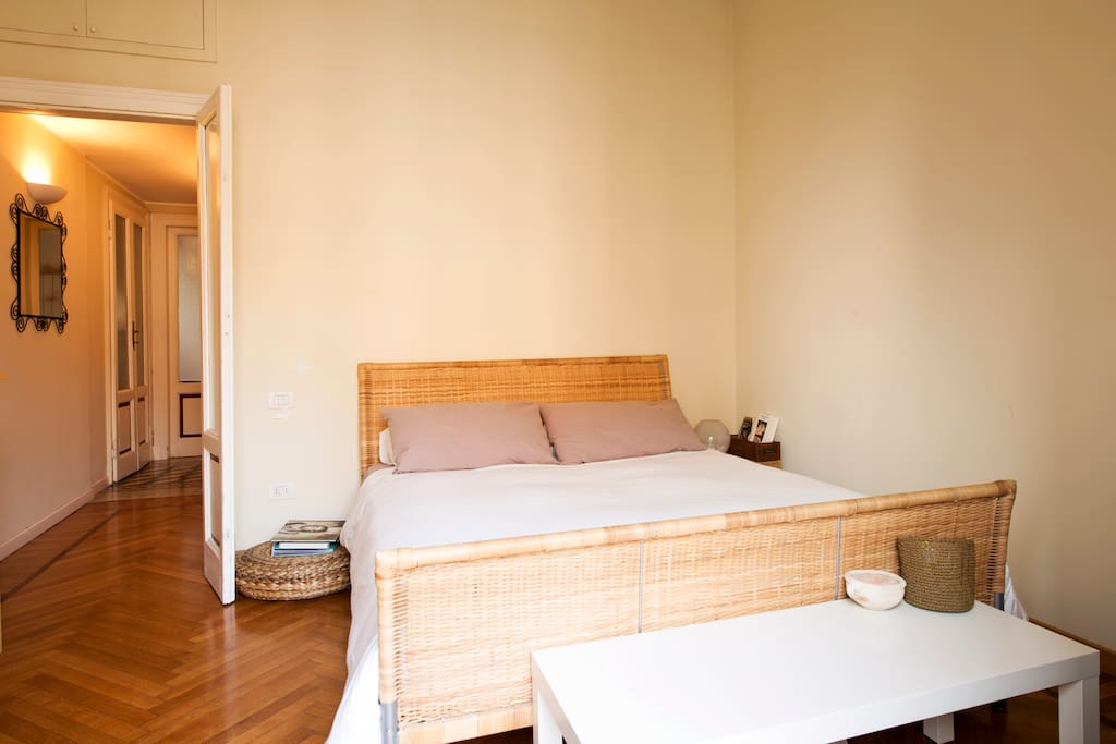 room 1, king size bed