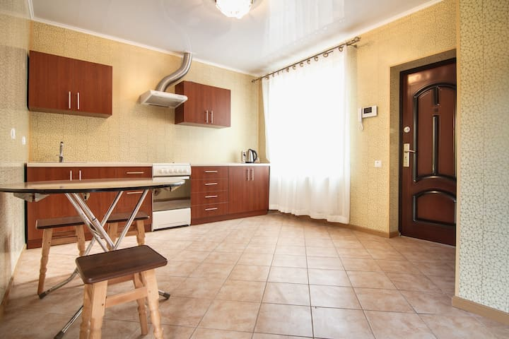 comfortable room in the guest house - Odesa - Szoba reggelivel