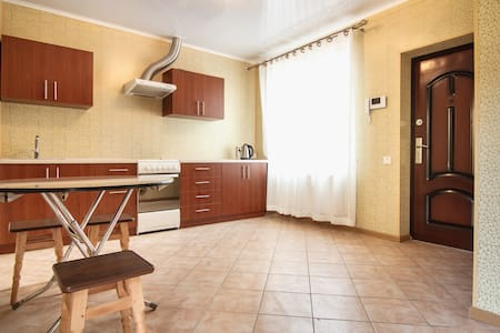 comfortable room in the guest house - Odessa - Bed & Breakfast