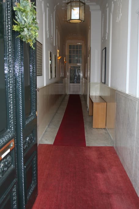 entrance and corridor to appartment