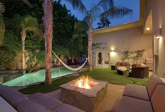Your Palm Springs Luxury Paradise- 5bd/4bth