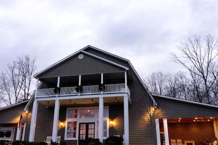 Cedar Hill Lodge,( Converted Barn) - Pikeville - Haus