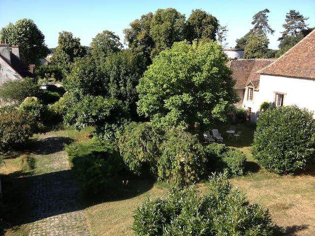 grande maison a la campagne - Pressigny-les-pins