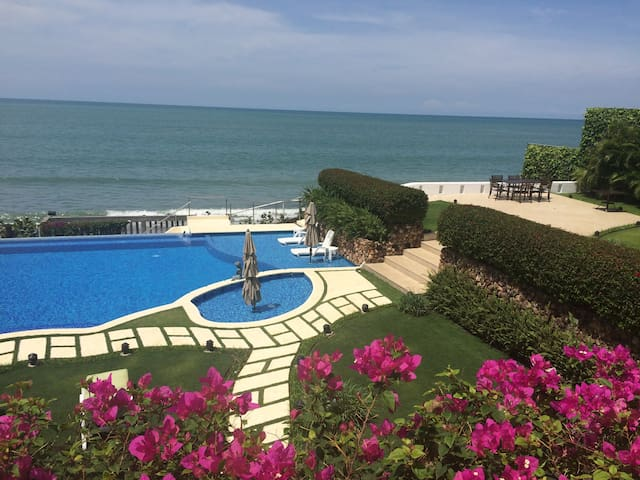 Coronado Beachfront Villa Ma Folie - Playa Coronado - Huis