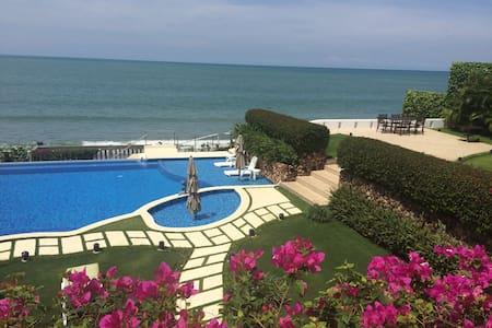 Coronado Beachfront Villa Ma Folie - Playa Coronado - 独立屋