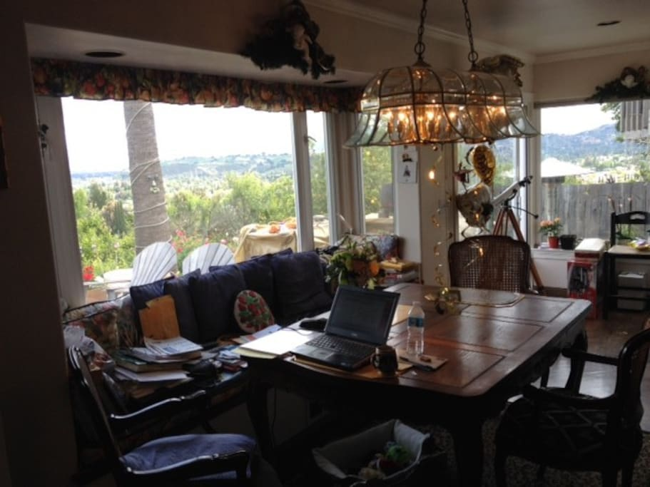 breakfast room over looking Silicon Valley