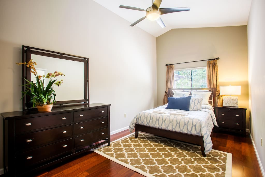 3 LIVE LIKE A LOCAL IN ORLANDO MASTER BEDROOM Houses