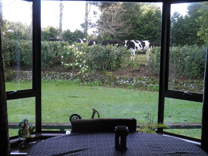 Private, quiet, rural home