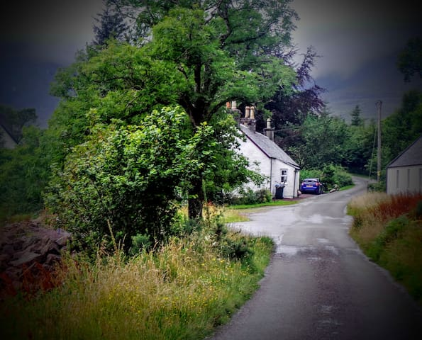 Road To Old School House