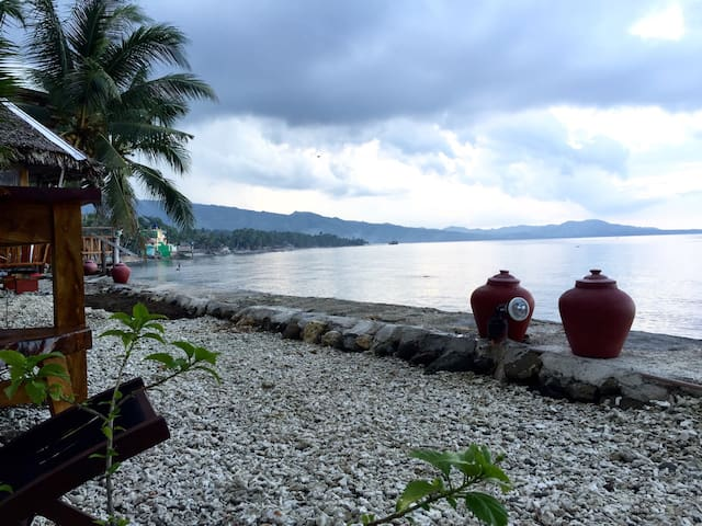 Quaint Seaside Cottage (3 pax) - Jagna - บ้าน