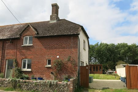 'Minnow Cottage', Dorset, UK - Wool - House