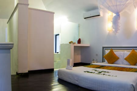 Junior Suite Room with Balcony - Krong Siem Reap