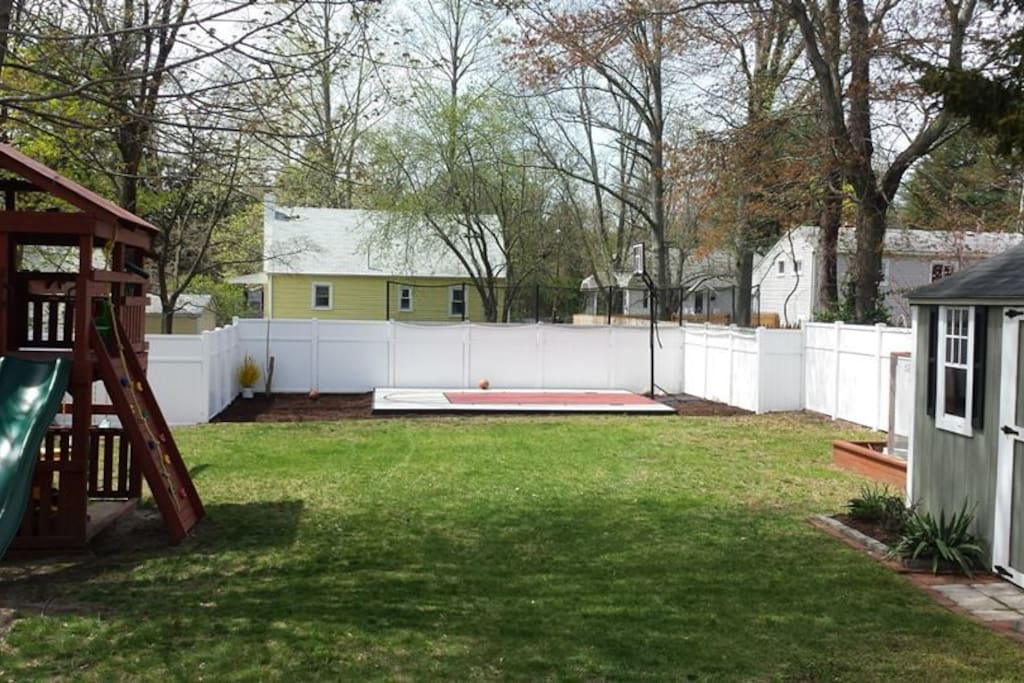 full access to the backyard
