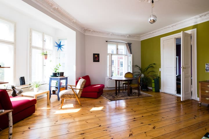 Beautiful room near Kollwitzplatz - Berlín