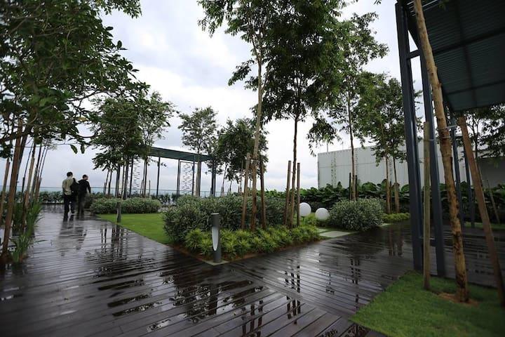 4ppls luxury condo at mont kiara