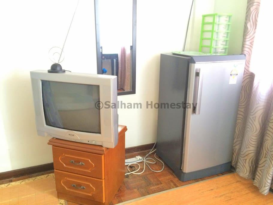 TV, cabinet & fridge!