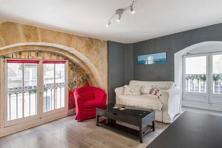 Airbnb top 20 des locations de vacances bordeaux for Location appartement pas cher bordeaux