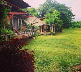 Pai Sipsongpanna Resort - Wiang Nuea - Bungalov