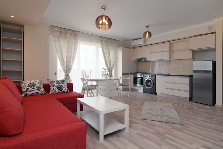 Apartment Baneasa Otopeni Airport - Voluntari - Apartamento