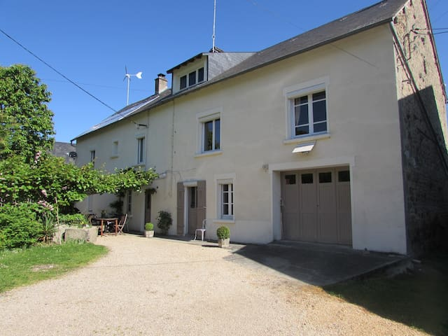 A beautiful french farmhouse in the Limousin - Le Grand-Bourg - Bed & Breakfast
