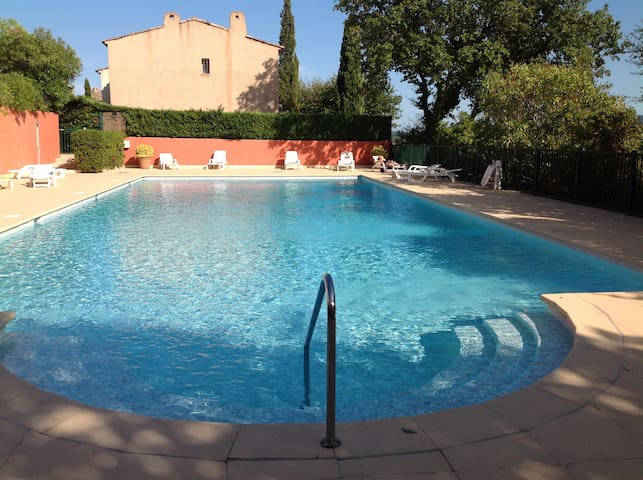 Grimaud Charming flat with garden