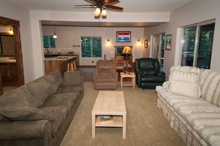 Karen's Cabin - Truckee - Apartment