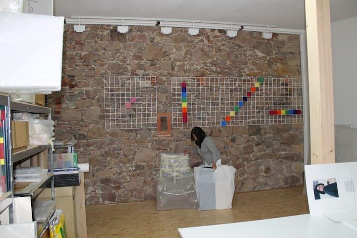 Bei Künstlern auf dem Dreiseitenhof