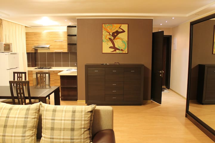Modern and cozy apartment - Atakent - Almaty - Apartamento