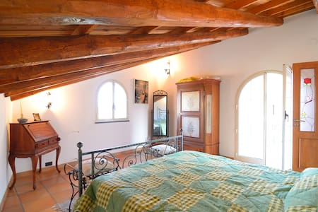 Pretty Attic 2 km from the sea - Chianchitta-trappitello
