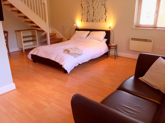 Private Space, Central Woodbridge - Woodbridge - Bed & Breakfast