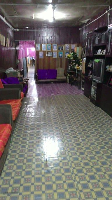 My living room, where guests can enjoy satellite TV such as Astro (Ruang tamu saya di mana tetamu boleh menikmati Astro)