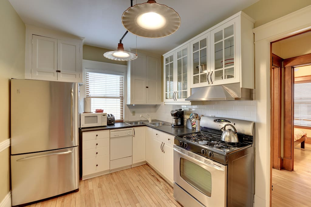 Charming Condo Brownstone 2 Bedroom Apartments For Rent