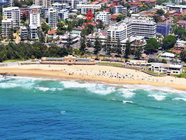 Two-bedroom apartment 30 seconds from the beach. - North Wollongong - Apartment
