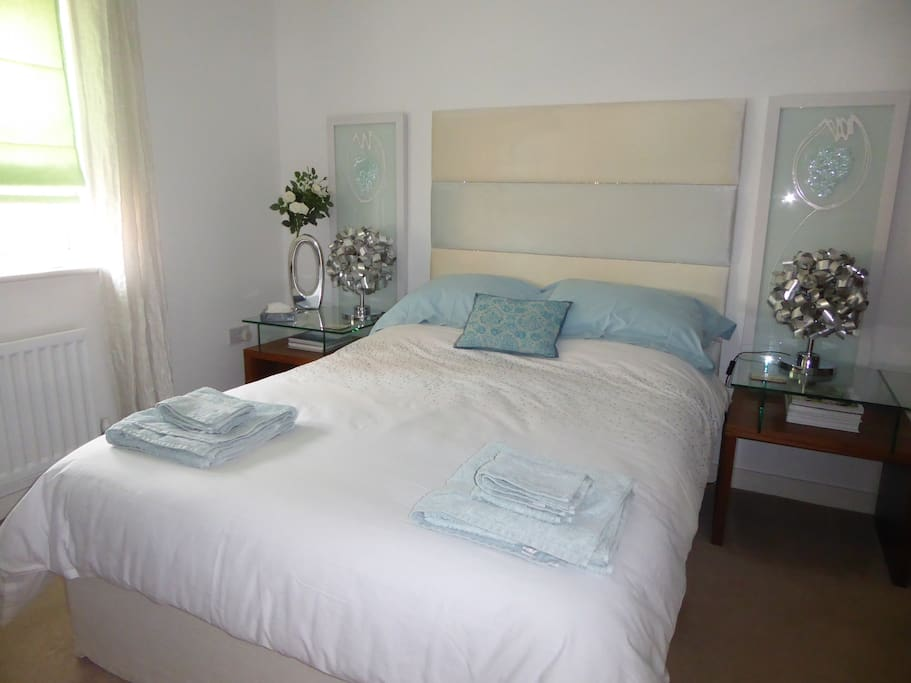 Double Bedroom to the front of the house, a beautiful comfortable room.