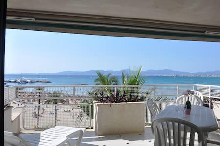 Apartment high quality front sea - Appartement