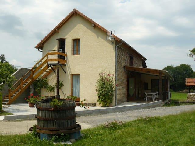 Gite Phoenix 2 à 10 personnes Béarn - Lespielle - Casa