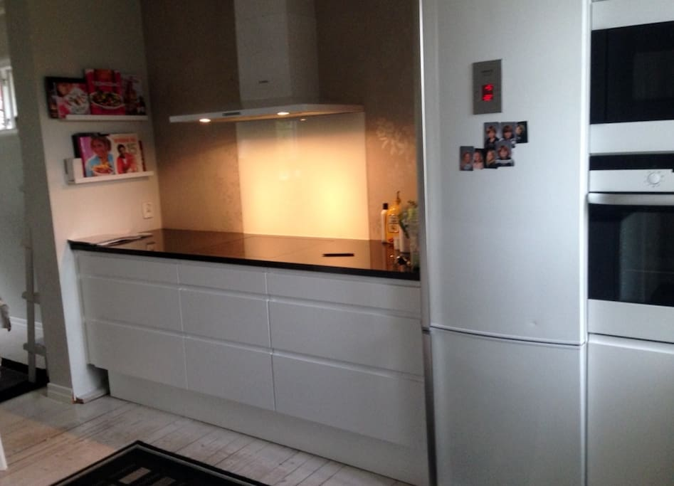 Nice kitchen, fully equipped.