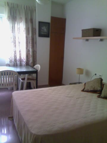 Double bed and private bathroom - Denia - Bed & Breakfast