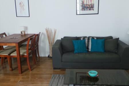 sous location fontainebleau location courte dur e chambres louer airbnb fontainebleau. Black Bedroom Furniture Sets. Home Design Ideas
