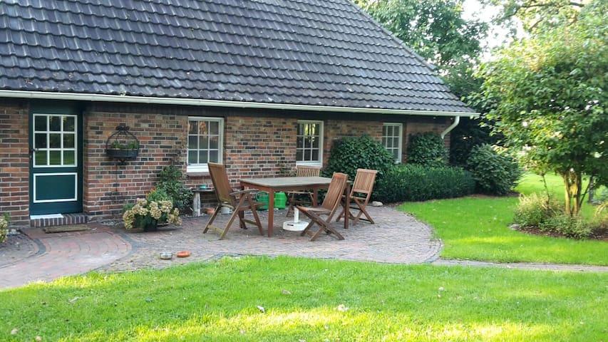 Liebevoll gestaltetes Bauernhaus - Wardenburg - Appartement
