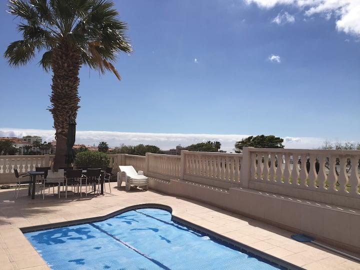 Villa, piscine, 8 pax golf mer wifi