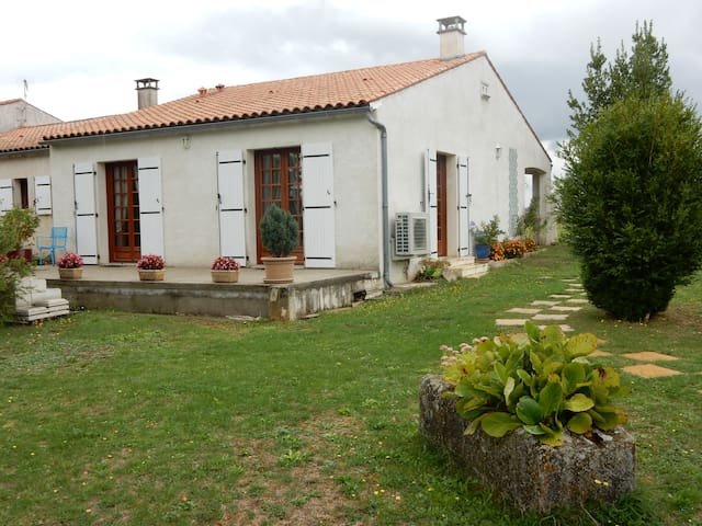 PECHON - Saint-Simon-de-Pellouaille - House