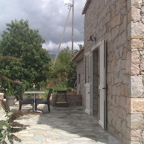 Très jolie petite maison - Marignana - Huis