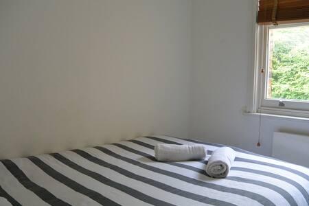 2Luminous Room Southwark Maisonette