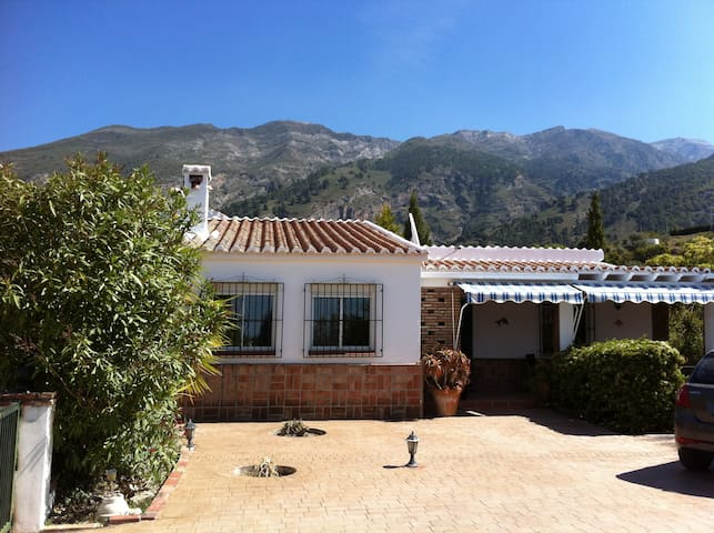 Hillside villa with private pool - Canillas de Aceituno